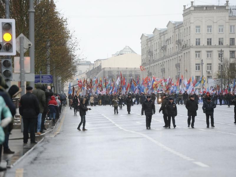 """Шествие """"Мы едины"""" в Москве 4 ноября 2016 года // фото: Антон Белицкий / Global Look Press"""