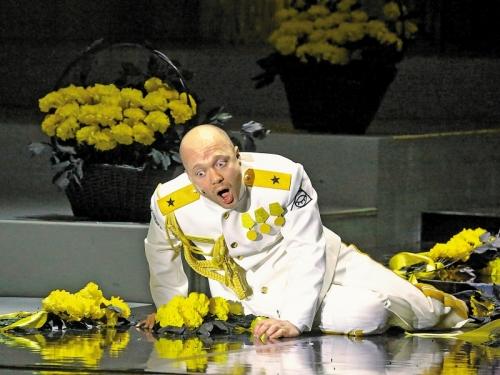 Евгений Стычкин сыграл главную роль в спектакле по Владимиру Сорокину