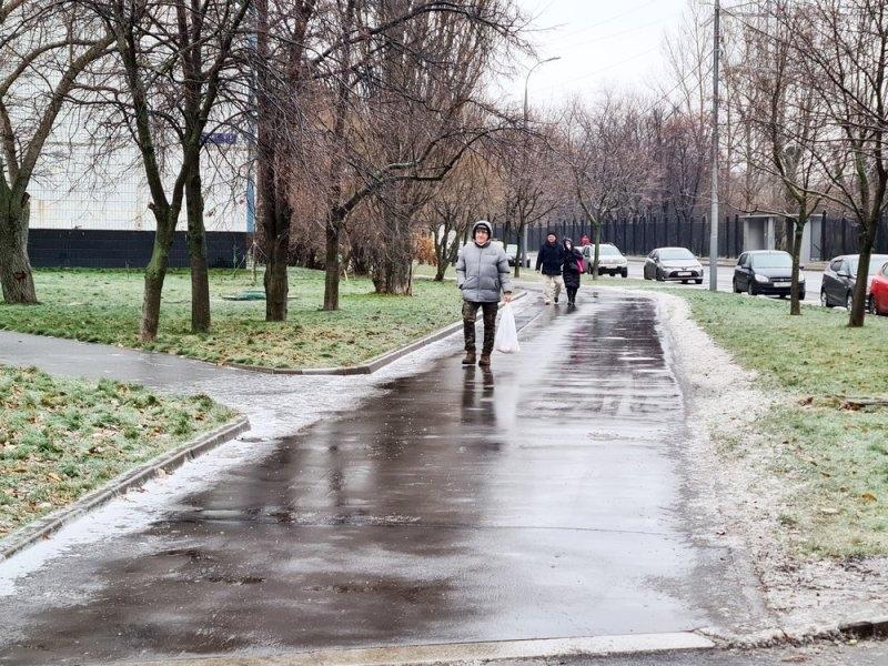 """Последствия ледяного дождя в Москве // Фото: АГН """"Москва"""""""