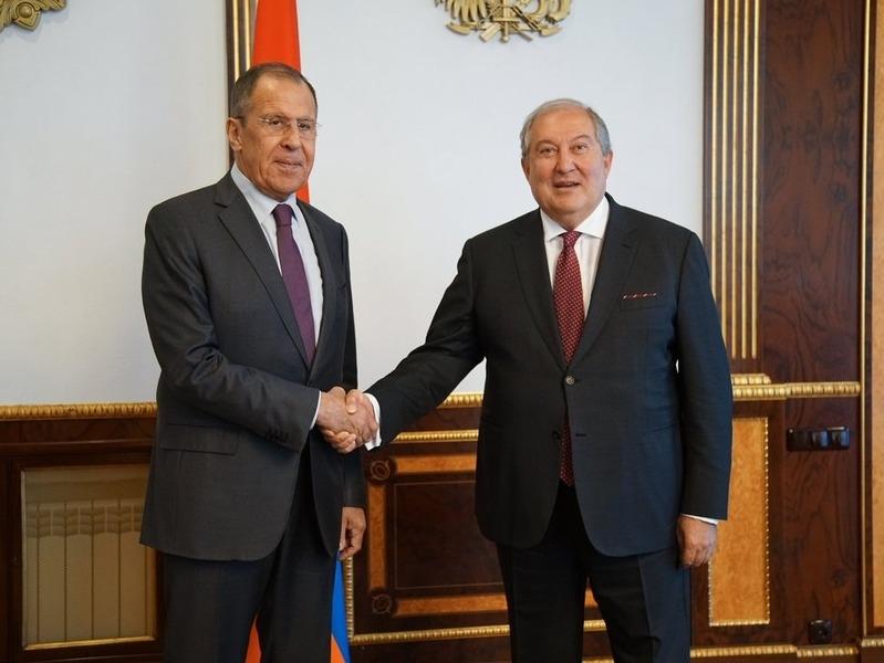 Армен Саркисян и Сергей Лавров // Фото: Global Look Press