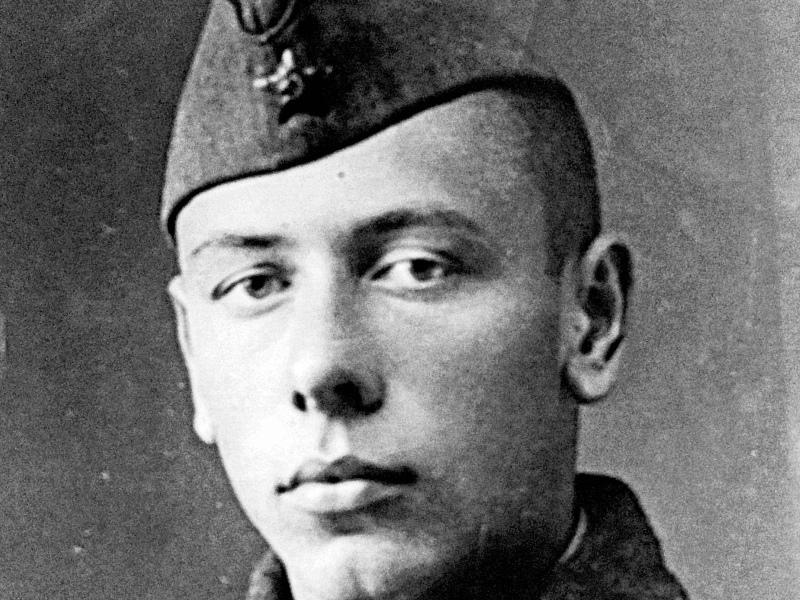 Актер никогда не носил ордена, он никому не рассказывал о том, что пережил на войне