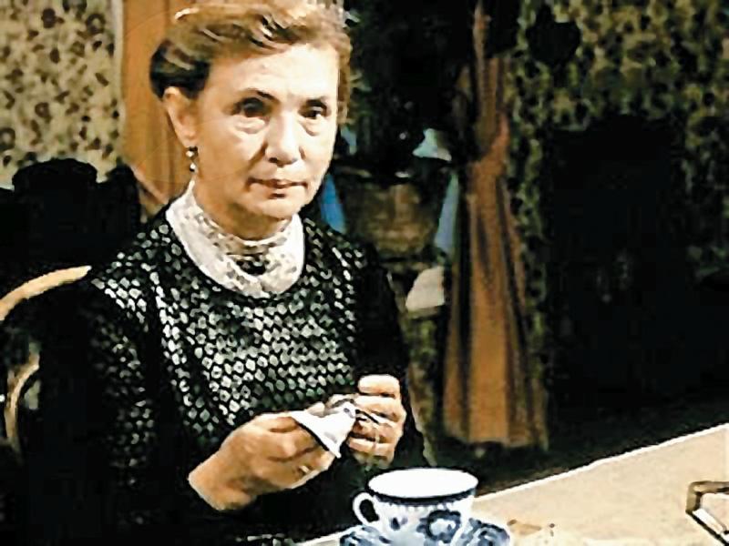 Последний раз она появилась на экране в 1994-м в телеспектакле «Посвящение в любовь»