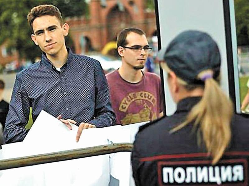Бывший студент юрфака Олег Алексеев теперь изучает судебное дело на практике