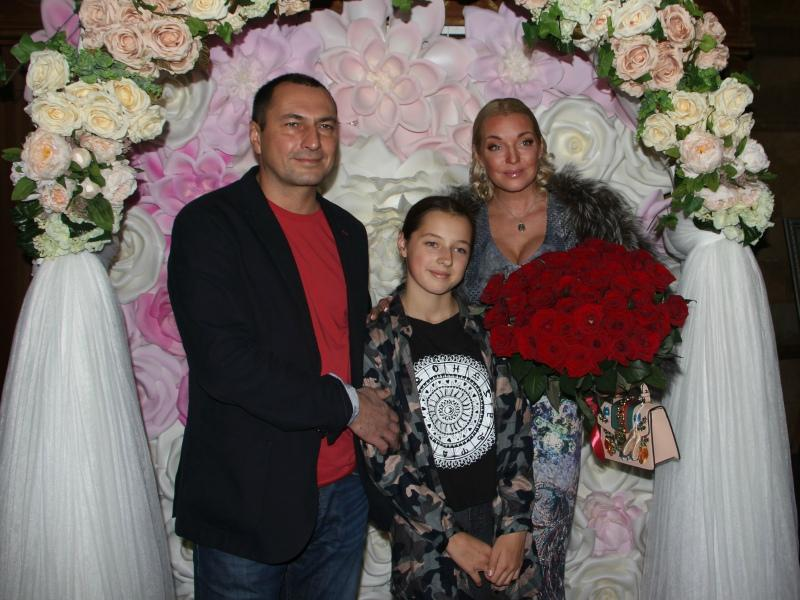 Родители Ариши наконец-то воссоединились // Фото: Денис Сорокин / «Собеседник»