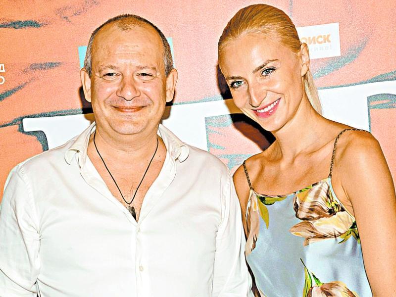 Дмитрий Марьянов с супругой