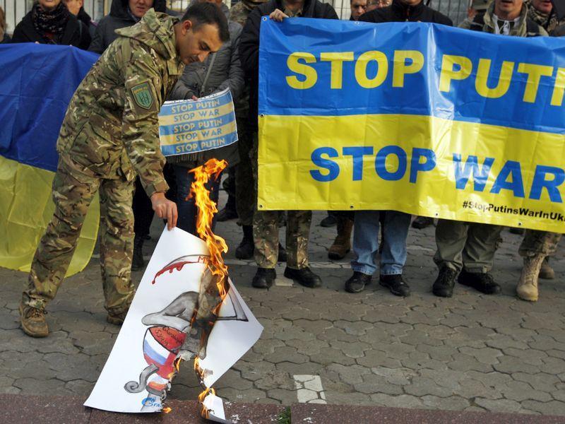 Протест у посольства РФ в Киеве // Global Look Press