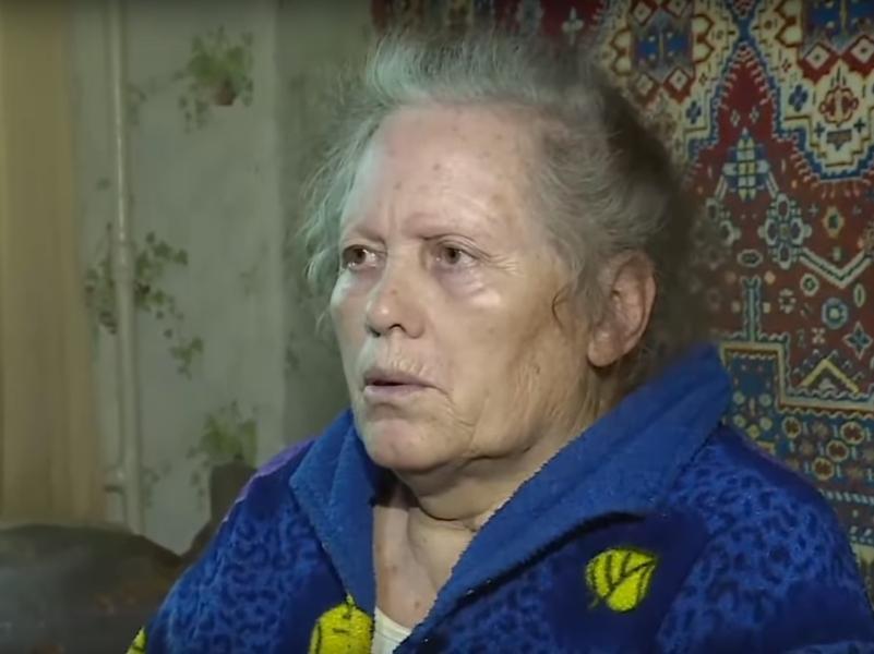Бабушка Владислава Рослякова Галина // стоп-кадр / Youtube / Телеканал 360
