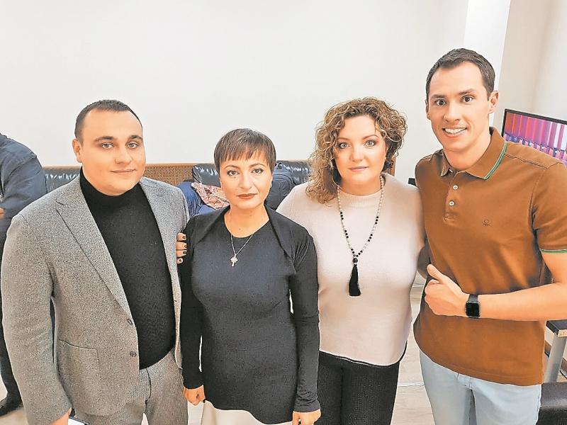 Тимур Еремеев с юристами Максимом Крыловым, Викторией Крыловой (адвокат) и Натальей Смирновой