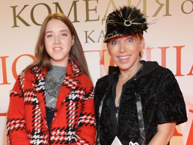 Елена Воробей с дочерью Соней // фото: Анатолий Ломохов / Global Look Press