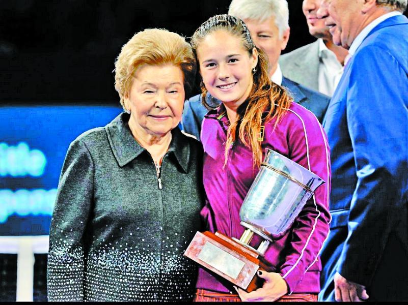 Наина Ельцина и Дарья Касаткина (на заднем плане справа Шамиль Тарпищев) // фото: kremlincup.ru