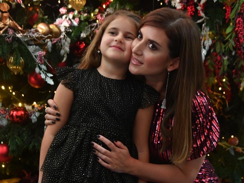 Жасмин с дочерью // фото: Global Look Press