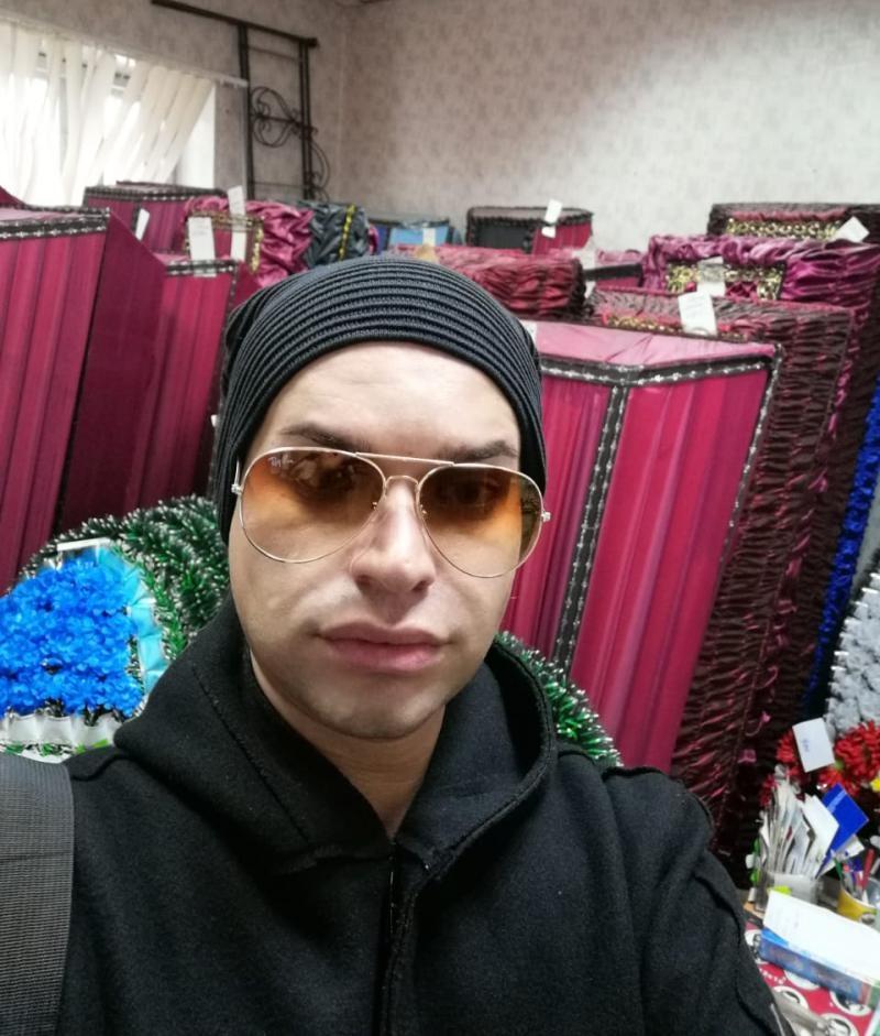 """""""Катя на последнем издыхании"""": Гоген Солнцев приобрел для супруги-пенсионерки гроб"""