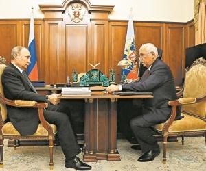 Чемезов стал путинским героем // фото в статье: Global Look Press
