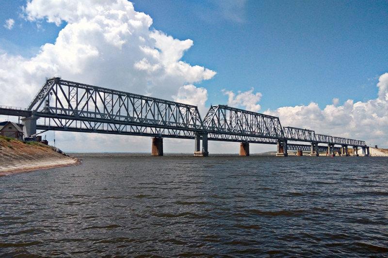 Строящийся компанией Руслана Байсарова мост через реку Дон