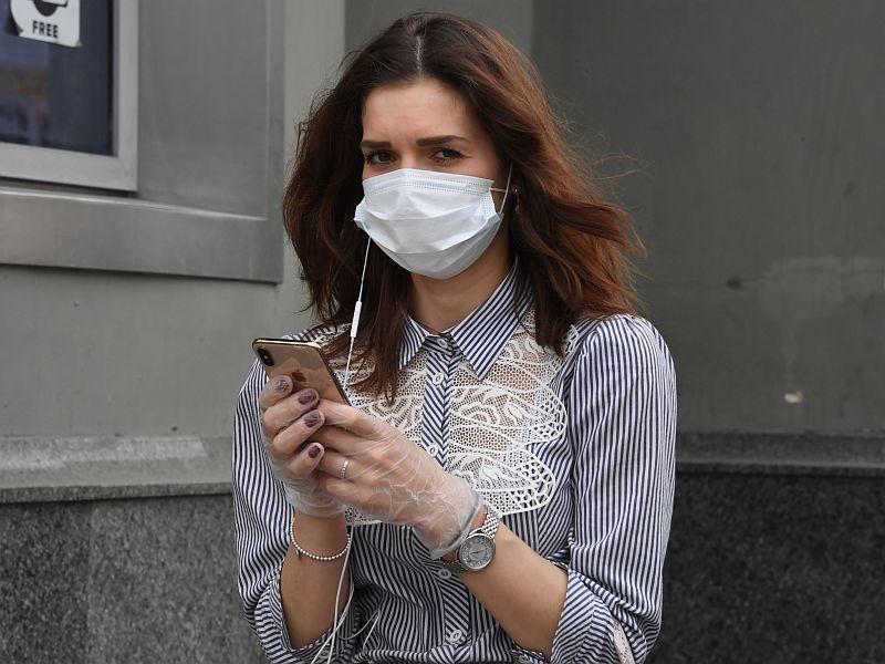 Будет ли жесткий карантин или остановятся на масках и перчатках?.. // фото в статье: Global Look Press