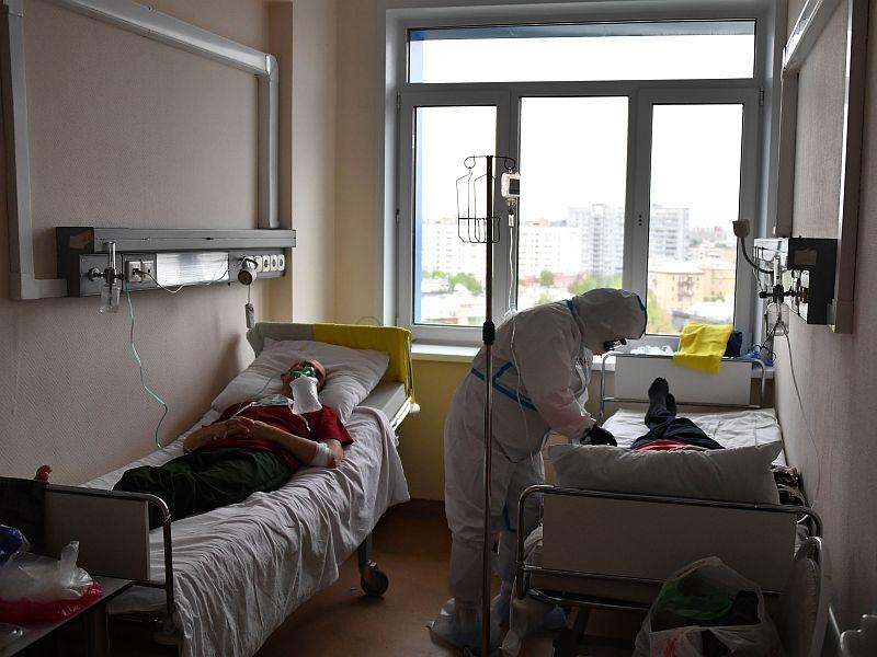 Всем ли хватает мест в больницах? // фото: Global Look Press; в статье: соцсети