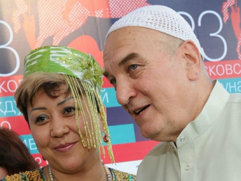 Алексей Петренко с женой из Киргизии // Фото: Global Look Press