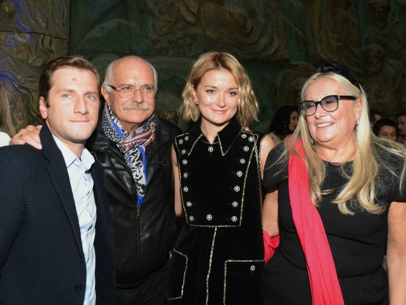 Кинематографическая семья: Резо, тесть Никита Михалков, жена Надежда, теща Татьяна Михалкова