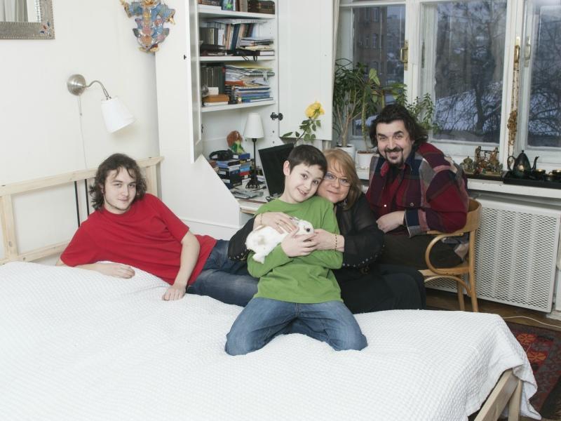 С женой – актрисой Верой Харыбиной – и детьми Александром и Алексеем