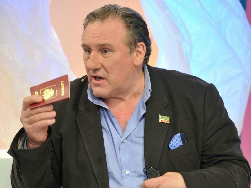 Жерар Депардье с российским паспортом