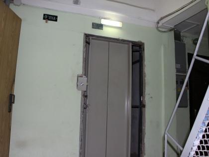В таком состоянии лифты второй месяц