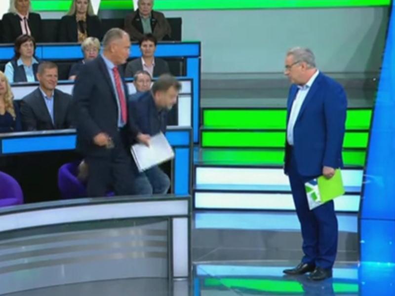 "стоп-кадр эфира программы НТВ ""Место встречи"""