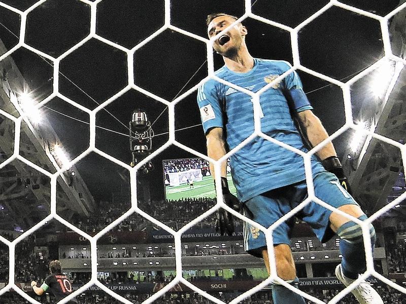 """""""Когда вратарь играет так долго, он уже эти ворота и эту сетку начинает потихоньку ненавидеть"""" // фото: Global Look Press"""
