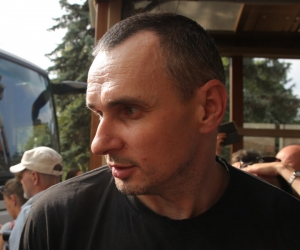 Олег Сенцов вскоре после освобождения // фото: Sergii Kharchenko / ZUMAPRESS.com / Global Look Press
