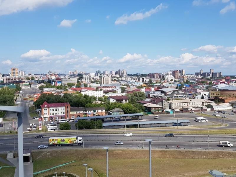 Вид на центральный Барнаул с высоты Нагорного парка