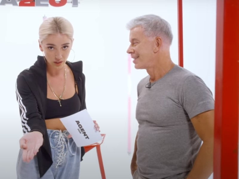Настя Ивлеева и Олег Газманов // Скриншот с видео на YouTube