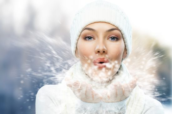 Косметика на зиму: собираем косметичку для себя любимой. 10 вещей, которые всегда должны быть при тебе!
